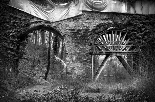"""Jan Thau Foto an Thau """"Dead Bridge"""" Schloss Hinterglauchau Brücke"""